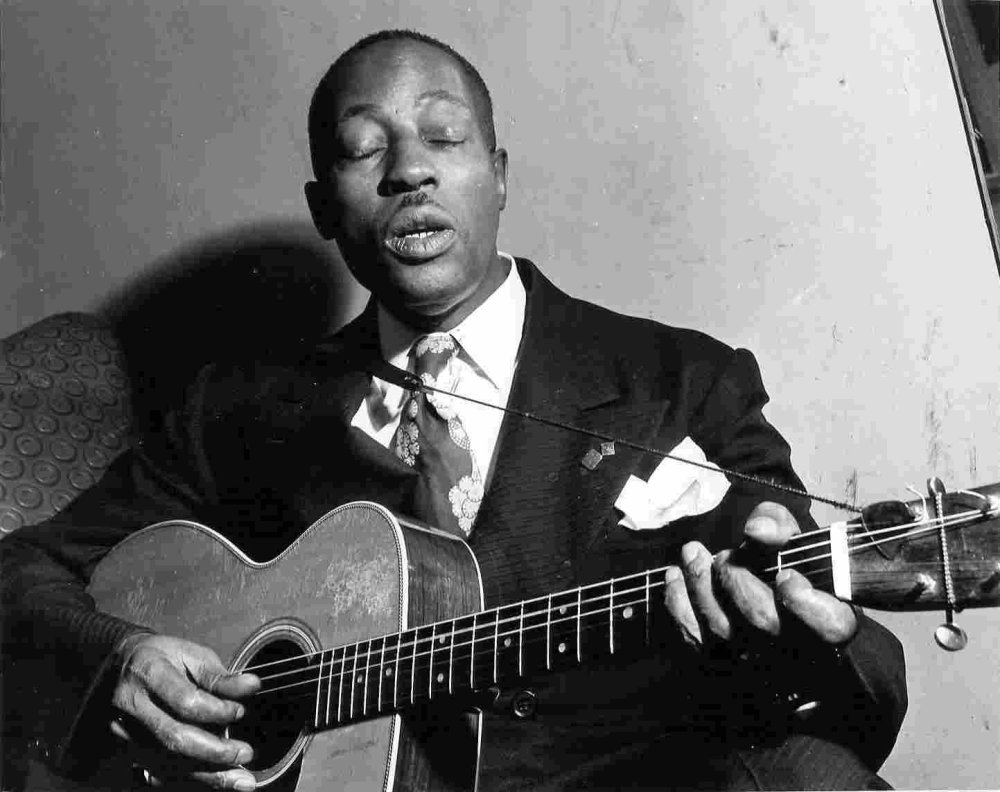 Figerpicking The Blues With Big Bill Broonzy