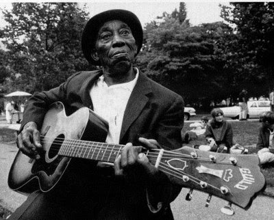 Mississippi John Hurt - Ragtime Blues Guitar Fingerpicking stylist