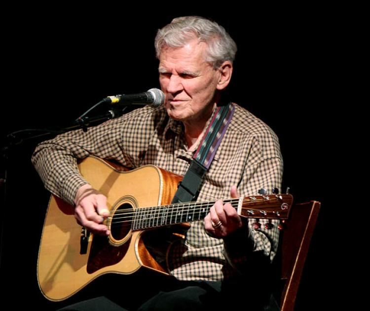 doc watson deep river blues guitar lesson